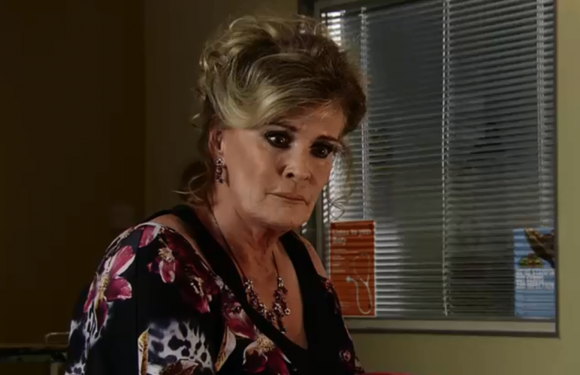 Coronation Street fans fear Liz McDonald will be murdered by Jenny Bradley after confessing to loving Johnny Connor