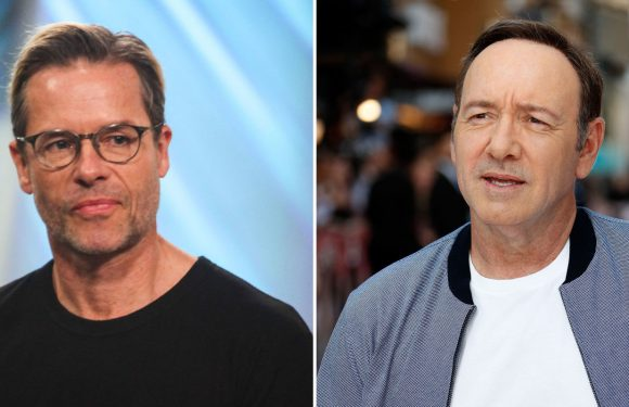 """Guy Pearce says Kevin Spacey was """"handsy"""" on set of LA Confidential"""