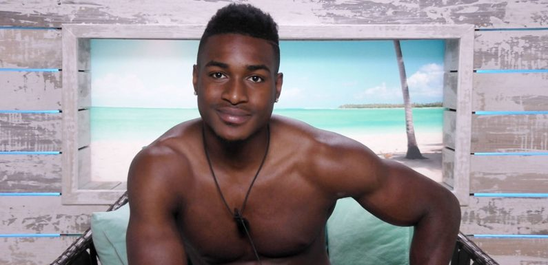 Love Island's new boy Idris Virgo makes his move on two girls