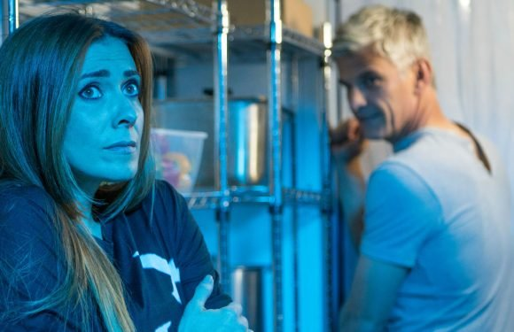 Coronation Street fans confused by Michelle and Robert's freezer romp