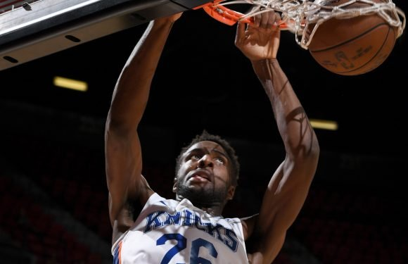Mitchell Robinson breaks out for Knicks as Kevin Knox falters