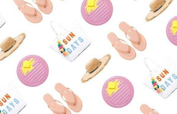 18 Items to Make Your Beach Day Instagram-Ready
