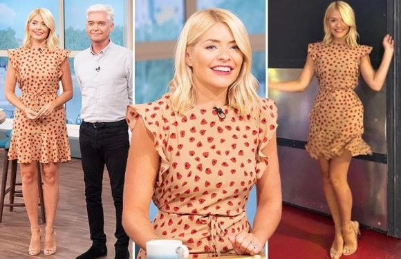 Holly Willoughby applauded by fans for frugal style as she wears £8 dress on This Morning