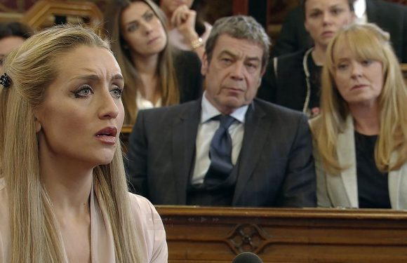 Corrie's Eva makes shock return for Aidan's inquest – then makes tough decision