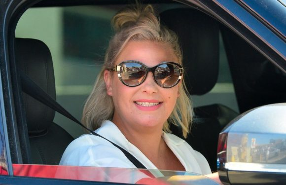 Lisa Armstrong pines for dog Hurley after spotting sweet snap of him on Twitter