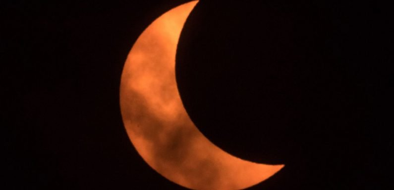 When is the Partial Solar Eclipse and New Moon – best time and place to see it
