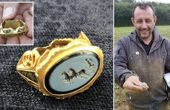 Amateur metal detectorist unearths a Roman signet ring in Somerset