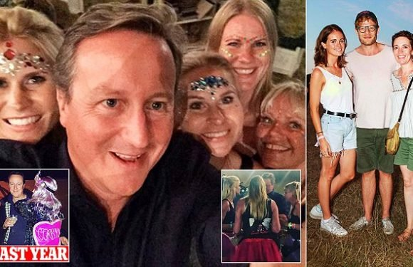 Hen party discuss 'hot topics' and pose for photo with ex-PM Cameron