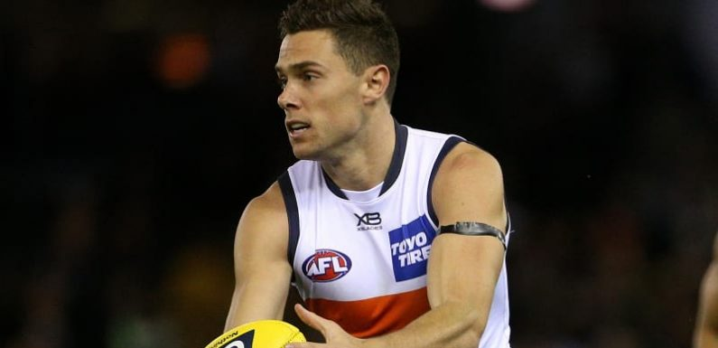 Kelly leads Giants to give Carlton the blues