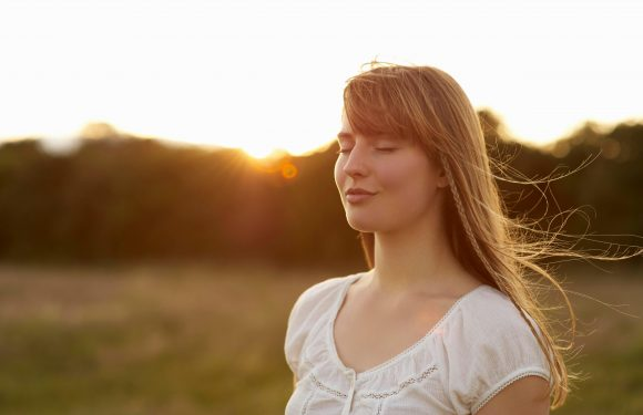 CoppaFeel! founder Kris Hallenga tells how mindful breathing exercises help treat her brain tumours