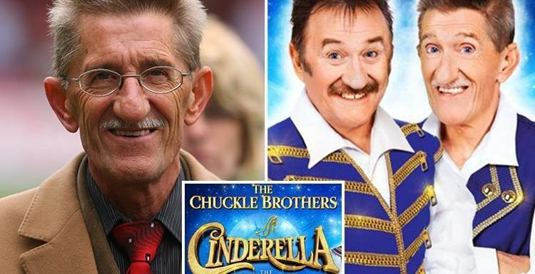 Barry Chuckle's death leaves Hull pantomime in crisis as star was set to appear with brother Paul in Cinderella
