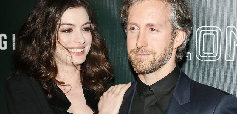 Anne Hathaway and Adam Shulman blend in on vacation