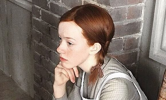 Amybeth McNulty Connects 'Anne With An E's Feminist Theme To Today's #MeToo Movement