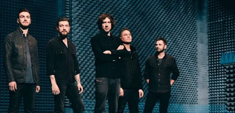 Snow Patrol on a roll as they plough through hits
