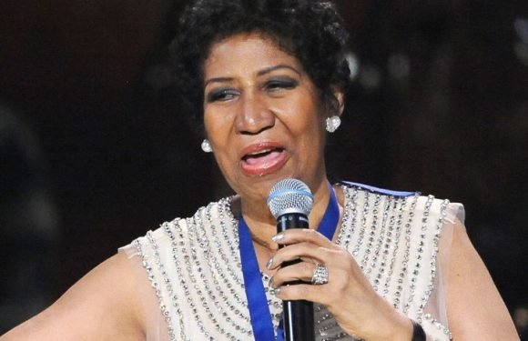 Celebrities React to Queen of Soul Aretha Franklin's Death