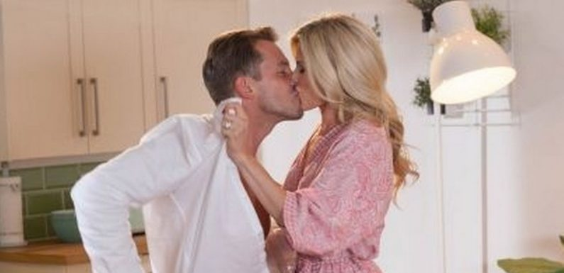 Hollyoaks' Darren and Mandy finally call it quits amid Ollie's abuse ordeal