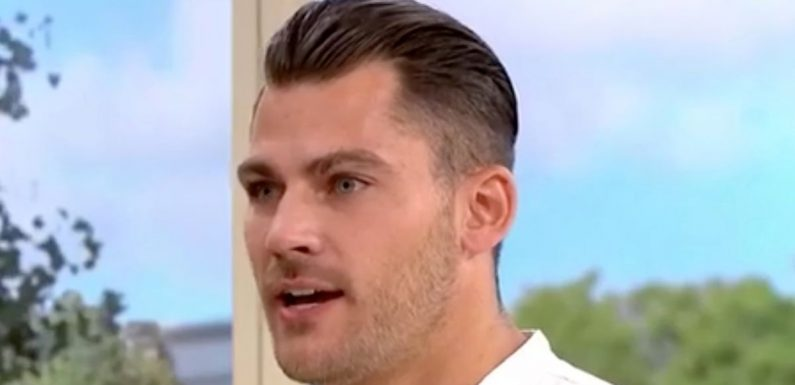 'Sexy' gin expert has This Morning fans swooning and hosts giggling