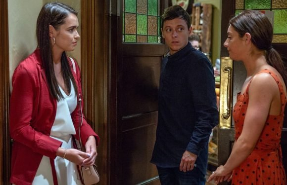 Emmerdale's Victoria accidentally exposes Matty's massive secret