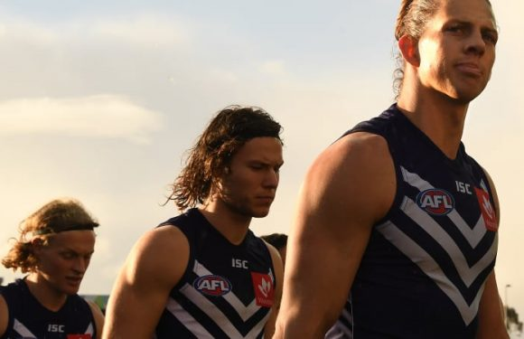 Eagles wobbling to the big dance as Dockers remain slaves to the rhythm
