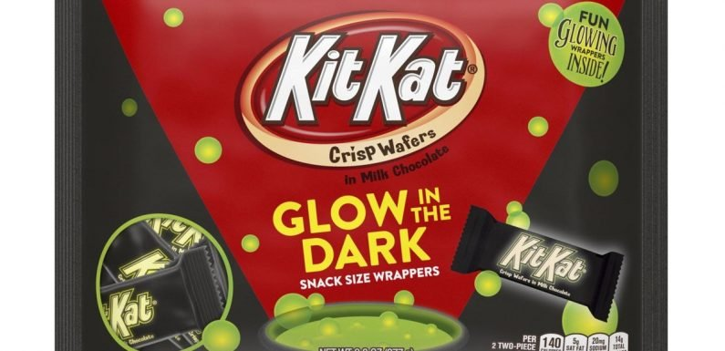 Hershey's New Glow-In-The-Dark Kit Kats Are A Spooky Halloween Treat