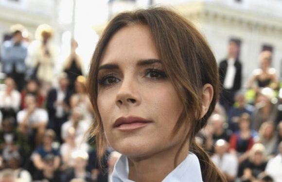 Victoria Beckham Poses For Sexy Snap Wearing Leopard Print & Sunglasses On Instagram
