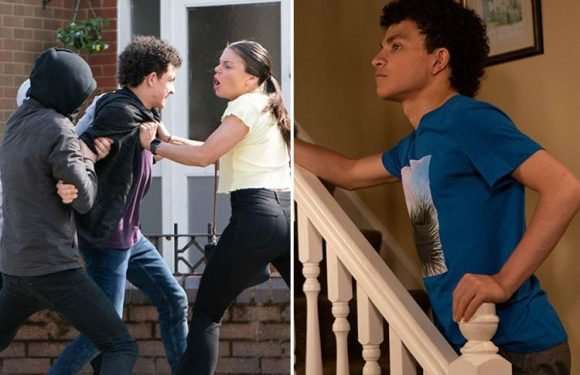 Coronation Street spoilers: Simon Barlow in abduction horror as Kate Connor bravely saves him from being dragged into a car