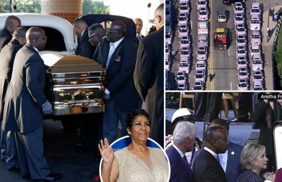 Aretha Franklin funeral live – Ariana Grande, the Clintons and 120 pink Cadillacs arrive for Queen of Soul's star-studded send-off