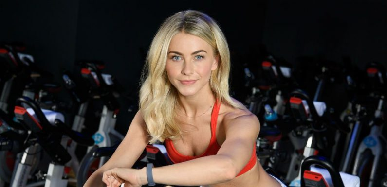 Julianne Hough Shows Off Her Washboard Abs And Toned Arms In Instagram Snap