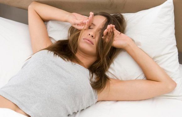 Stop pressing the snooze button now…dozing off for just 5 MINUTES can ruin your day
