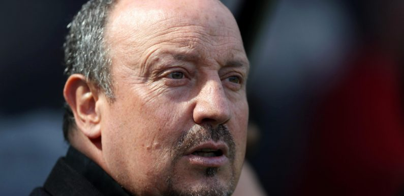 Newcastle manager Rafa Benitez has no plans to resume contract talks raising fears he could quit