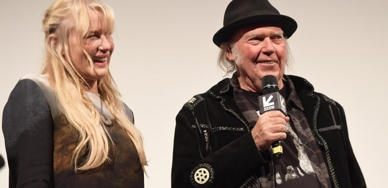 Neil Young and Daryl Hannah secretly marry on rocker's yacht after four years of dating