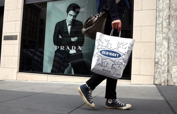 Here's How To Get Old Navy's $15 Cash Back Promo Happening Right Now