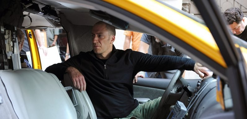 Ben Bailey Reveals Which Star Was the Least Helpful Celebrity Passenger on 'Cash Cab'