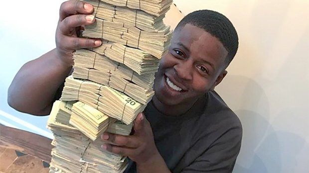 Blac Youngsta Live Streams Wild House Party Full Of Lingerie-Clad Women & Fans Are Impressed