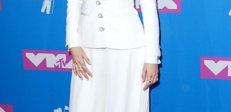 Blake Lively Brings Her Power Suit Parade to the 2018 MTV Video Music Awards