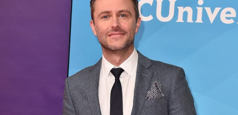 Chris Hardwick makes emotional return to 'Talking Dead' after sexual abuse allegations