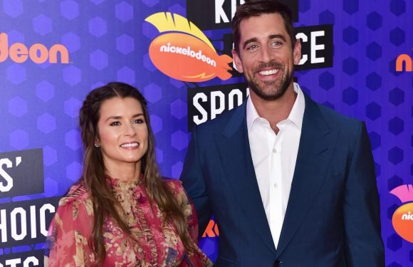 Danica Patrick celebrates Aaron Rodgers' monster contract