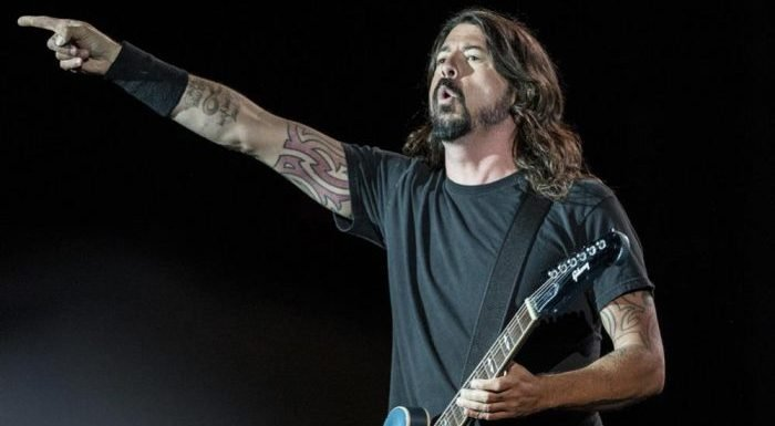 Watch Foo Fighters Frontman Dave Grohl Create a Song by Himself in 'Play' Video