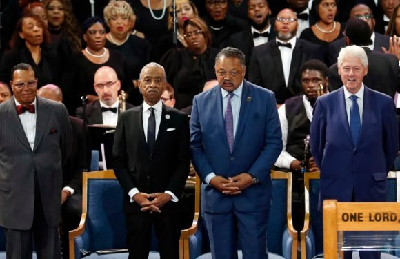 Aretha Franklin Funeral: Hundreds Gather to Honor the Queen of Soul