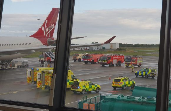 Virgin Atlantic passengers hail pilots after flight from Orlando to London Gatwick forced to divert to Ireland over 'smoke'