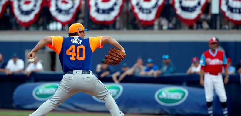 Mets put on a show for Little Leaguers to back Jason Vargas