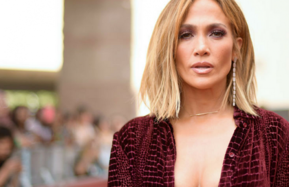 Jennifer Lopez Shows Off Her Derriere In A Sexy Sporty Outfit While Riding A Fitness Bike