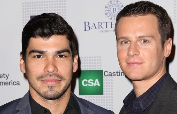 Raúl Castillo 'Took Full Advantage' of Friendship with Jonathan Groff to See Hamilton Three Times!