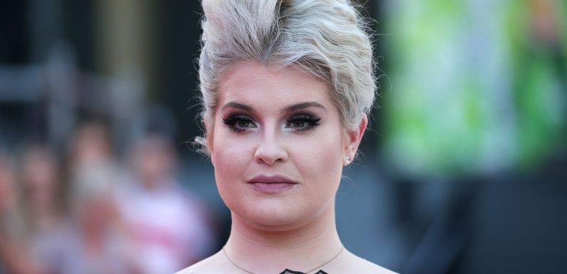 Kelly Osbourne says she's been sober for a year