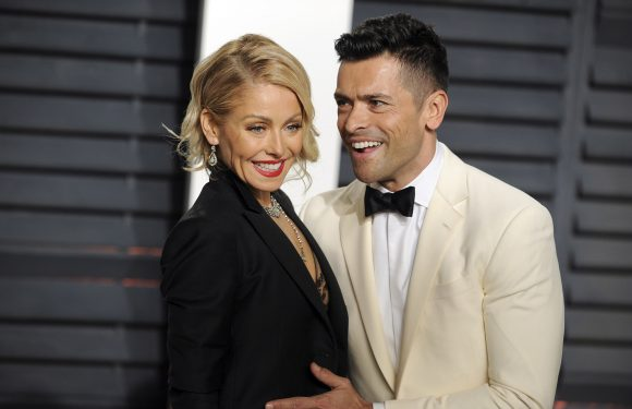 How Kelly Ripa fell for Mark Consuelos before they met