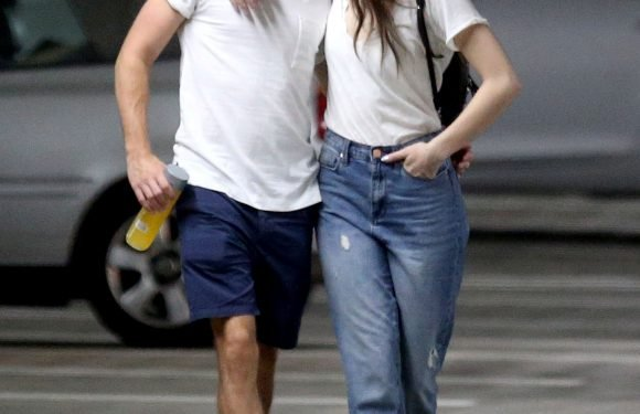 Niall Horan and Hailee Steinfeld Share a Kiss as They Take Their Romance Public for First Time