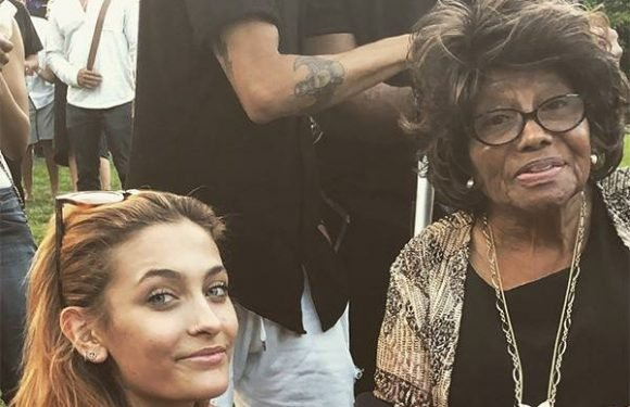 Paris Jackson Gets Support From Grandma Katherine at Concert