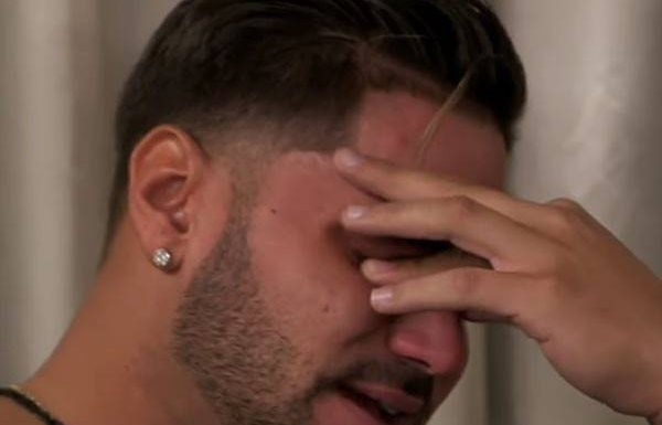 Ronnie Magro-Ortiz Cries in Jersey Shore Family Vacation Teaser