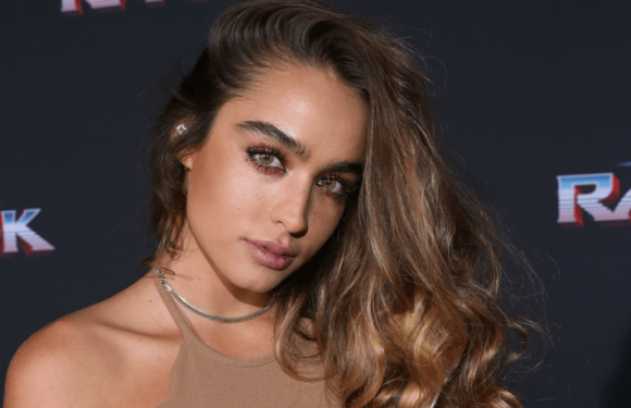 Sommer Ray Shows Off Body In Ultra-Sexy Swimsuit That Barely Contains Her Assets