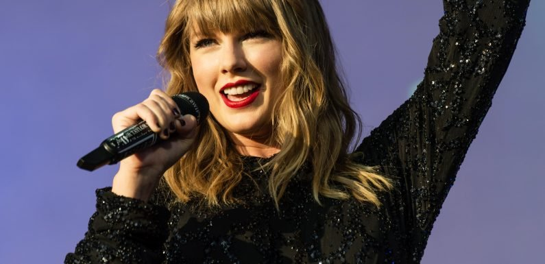 Taylor Swift Plays Bouncy Throwback 'Jump Then Fall' For the First Time in Eight Years